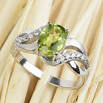 Olivine ring oval 8x6mm cut + zircons Ag 925/1000