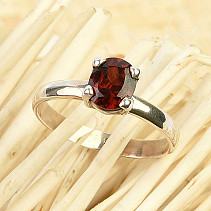 Garnet ring oval 7x6mm Ag 925/1000 size 56 (2.2g)