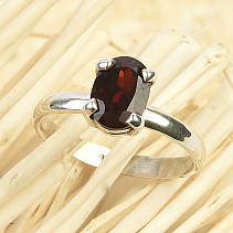 Ring with cut oval garnet Ag 925/1000