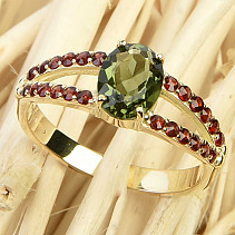 Ring with moldavite and grenades 14K Au 585/1000 3.23g size 56
