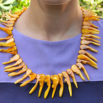Orange seashell necklace teeth 52 to 58 cm