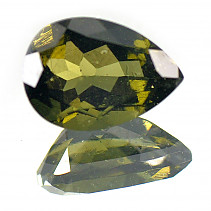 Moldavite drop cut 11x8mm 2,098 ct