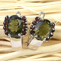 Moldavite and garnet earrings 9x7mm Ag Rh