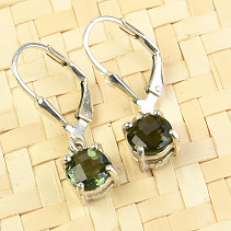 Silver earrings Moldavite checker top round cut 6 mm Ag 925/1000