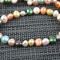 Pearls bracelet colored