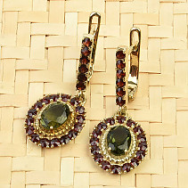 Moldavite and garnets luxury earrings oval 7 x 5 mm gold checker top Au 585/1000 14K 6.39g