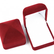 Velvet gift box with burgundy ring
